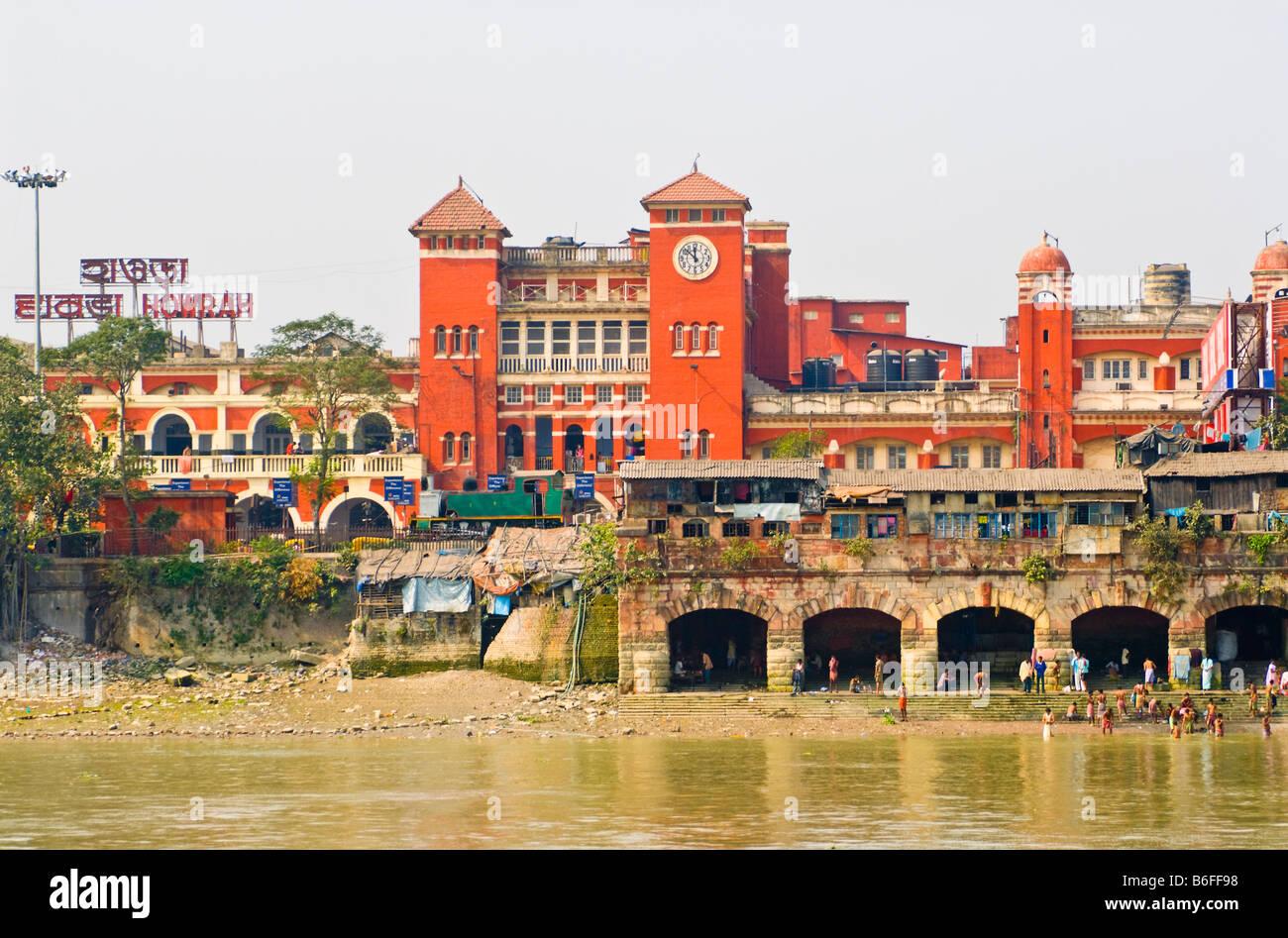 Howrah Station, Kolkata, India Stock Photo: 21239604 - Alamy