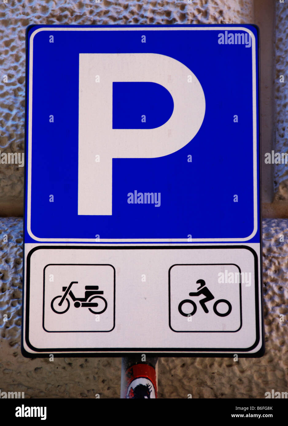 Road sign, parking for motorcycles and moped or scooters, Rome, Italy, Europe - Stock Image