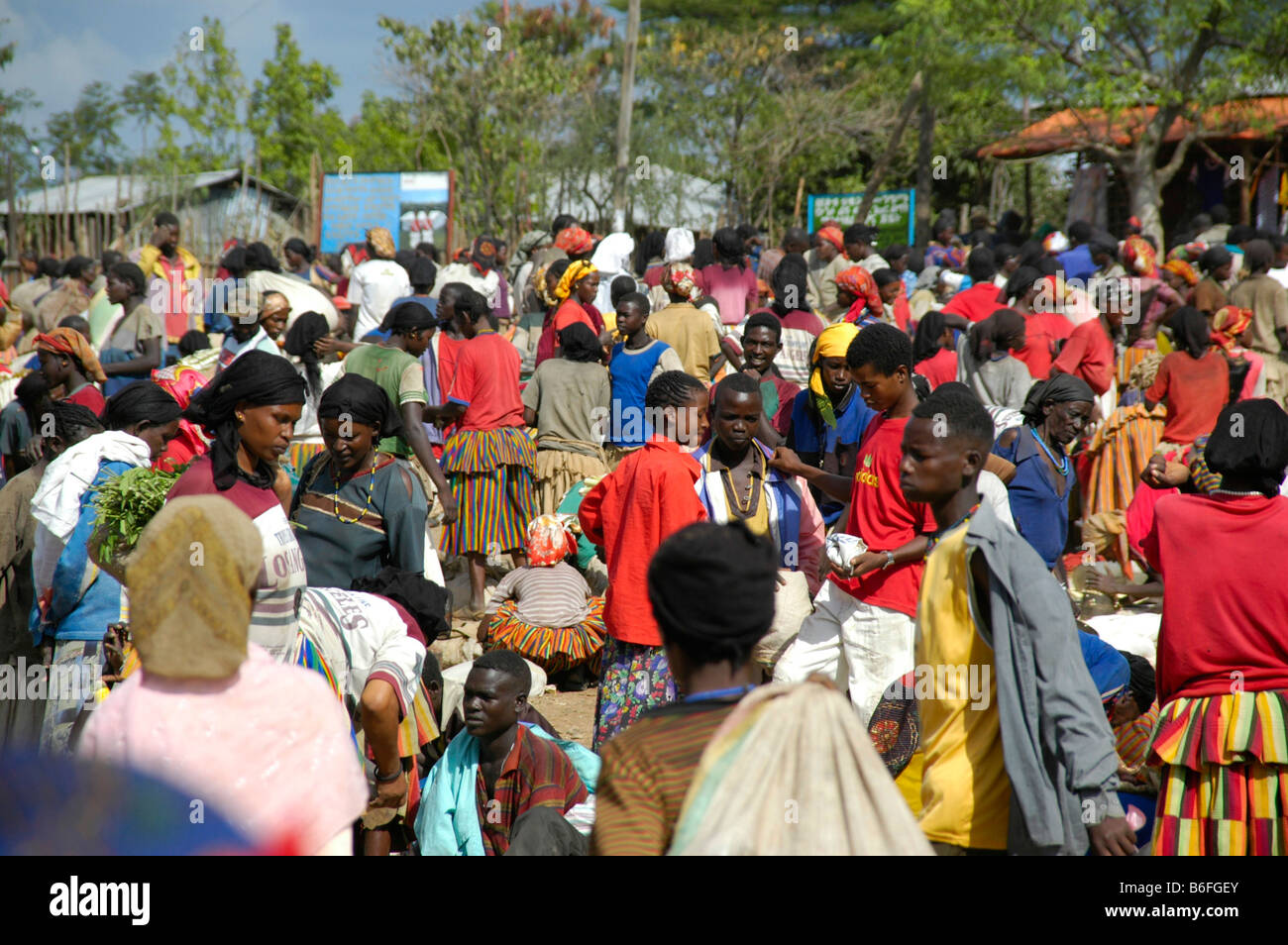 Many people, busy market, market in Konso, Ethiopia, Africa Stock Photo