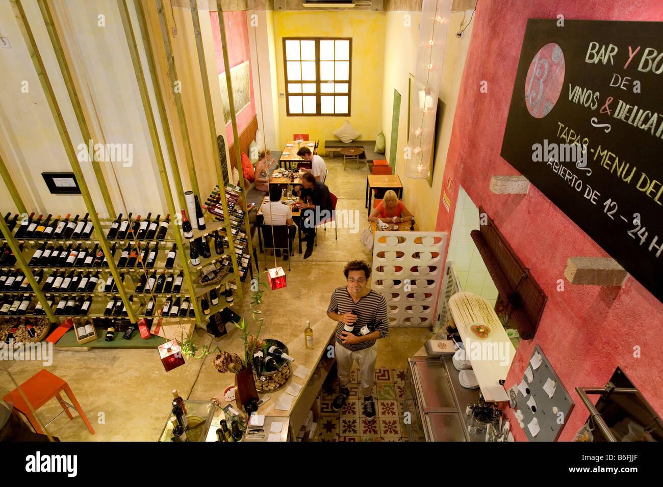 Wine bar 13%, owner Miguel Bolik, Palma de Mallorca, Majorca Stock ...