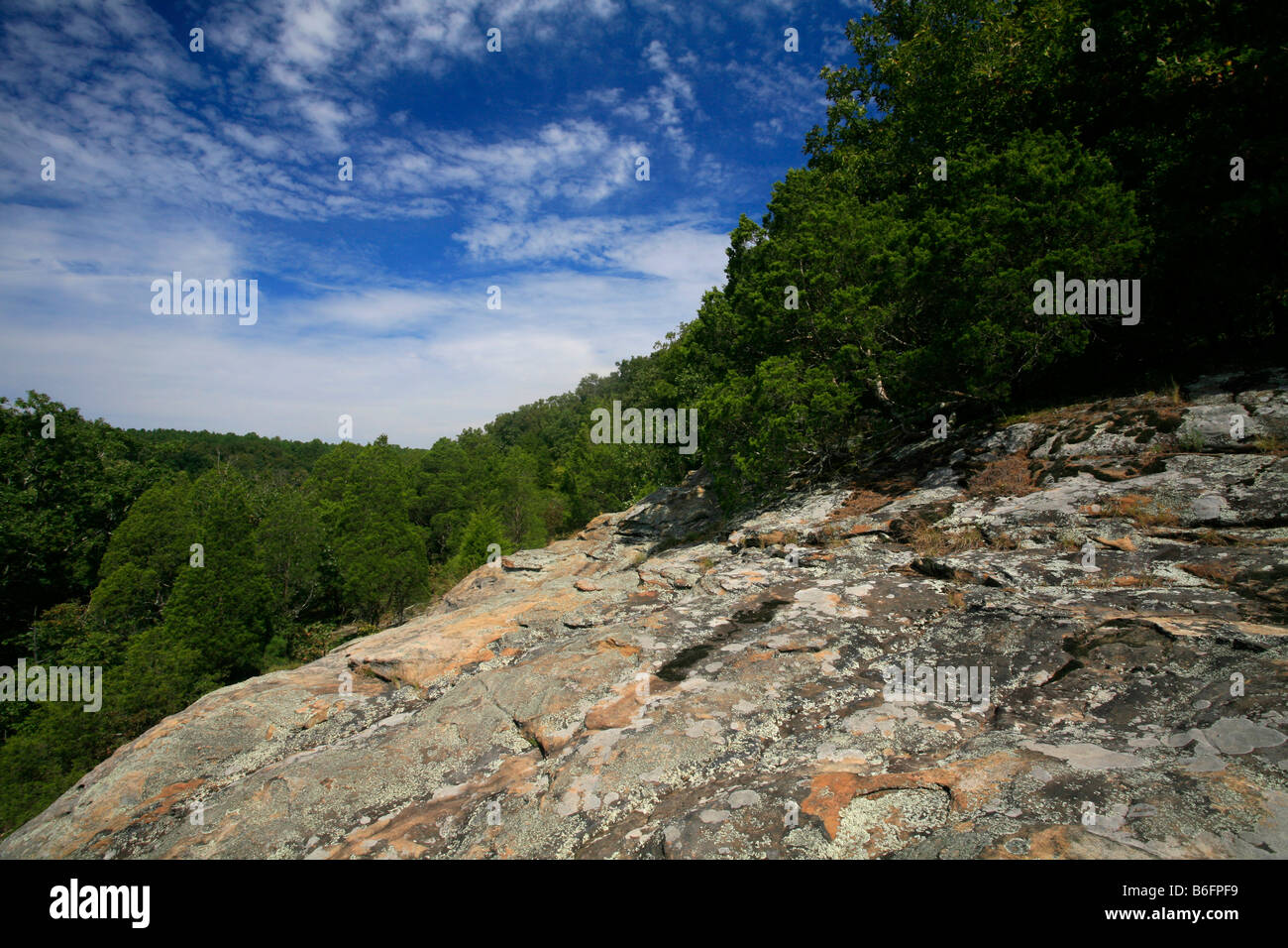 Sandstone formation at the Rim Rock Trail, a hiking tour in the Shawnee National Forest, Illinois, USA - Stock Image
