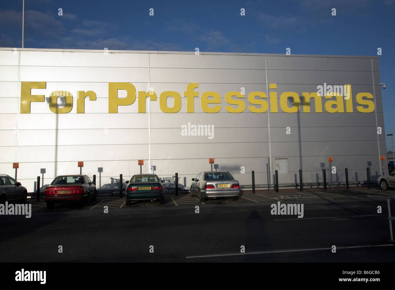 For Professionals sign Makro shop building and car park Ipswich Suffolk England - Stock Image