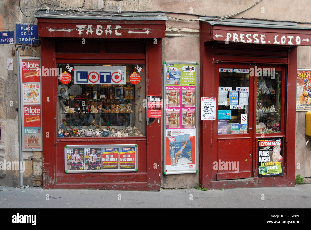 A Tobac and newsagent shop in vieux (0ld) Lyon 0ld France - Stock Image