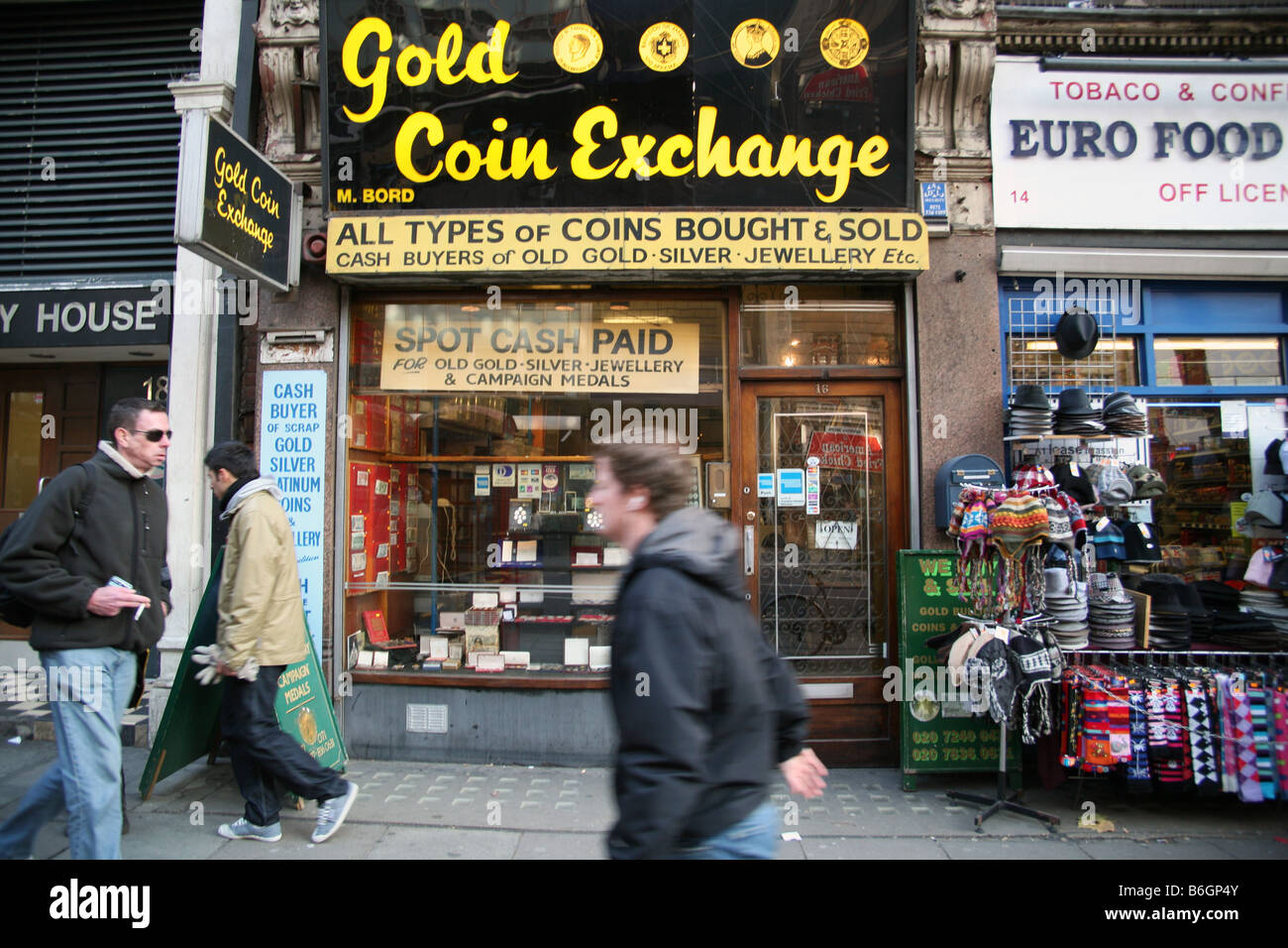 Gold coin shop in Central London - Stock Image
