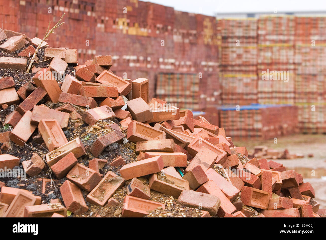 Discarded London Bricks at the Kings Dyke facility of Hanson Brickworks near Peterborough - Stock Image
