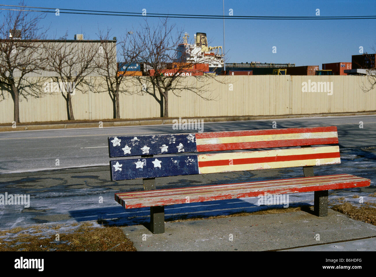 USA Boston Bench painted with the stars and stripes South Boston - Stock Image