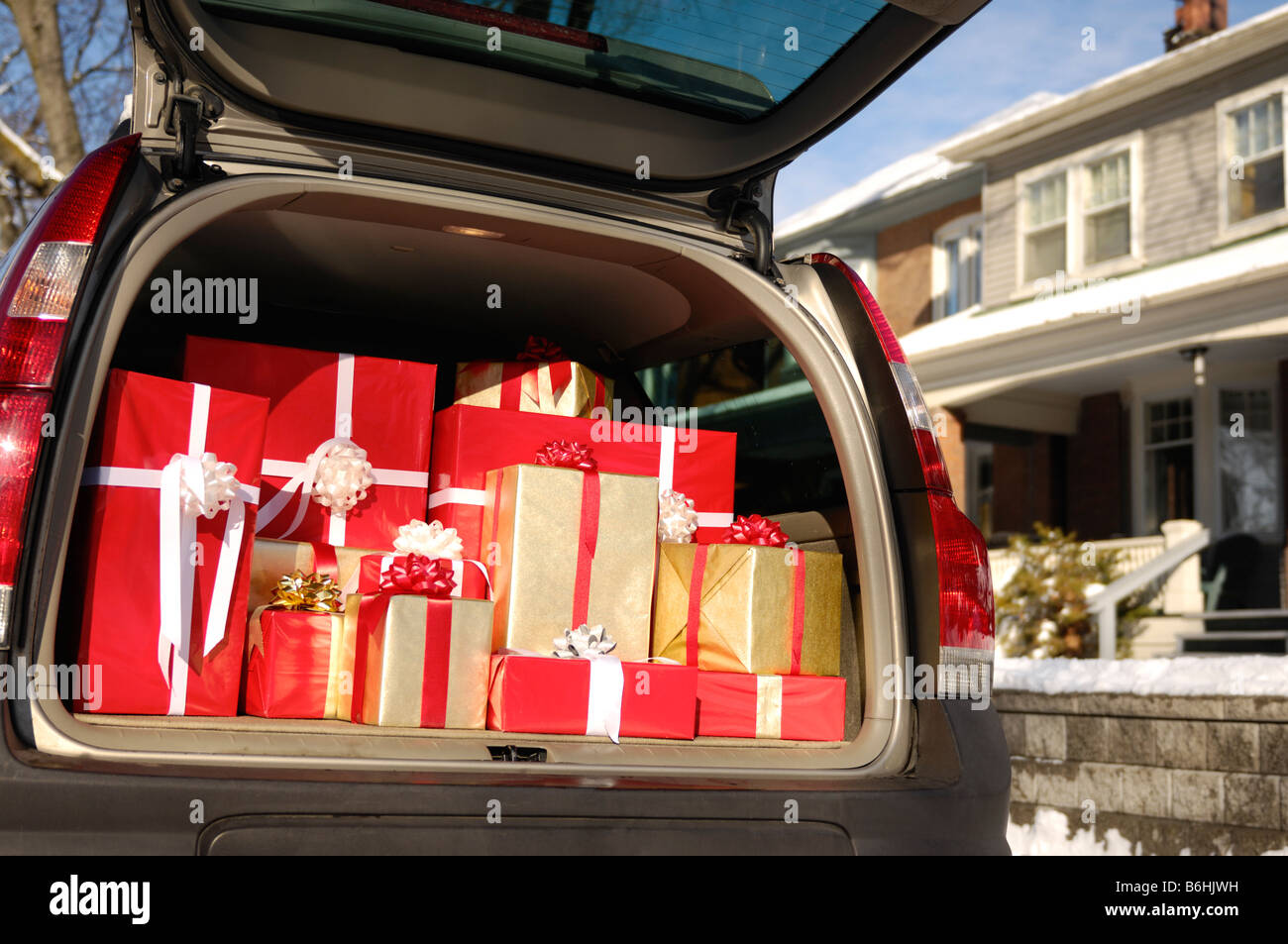 Christmas gifts in a trunk of a car Stock Photo: 21286317 - Alamy