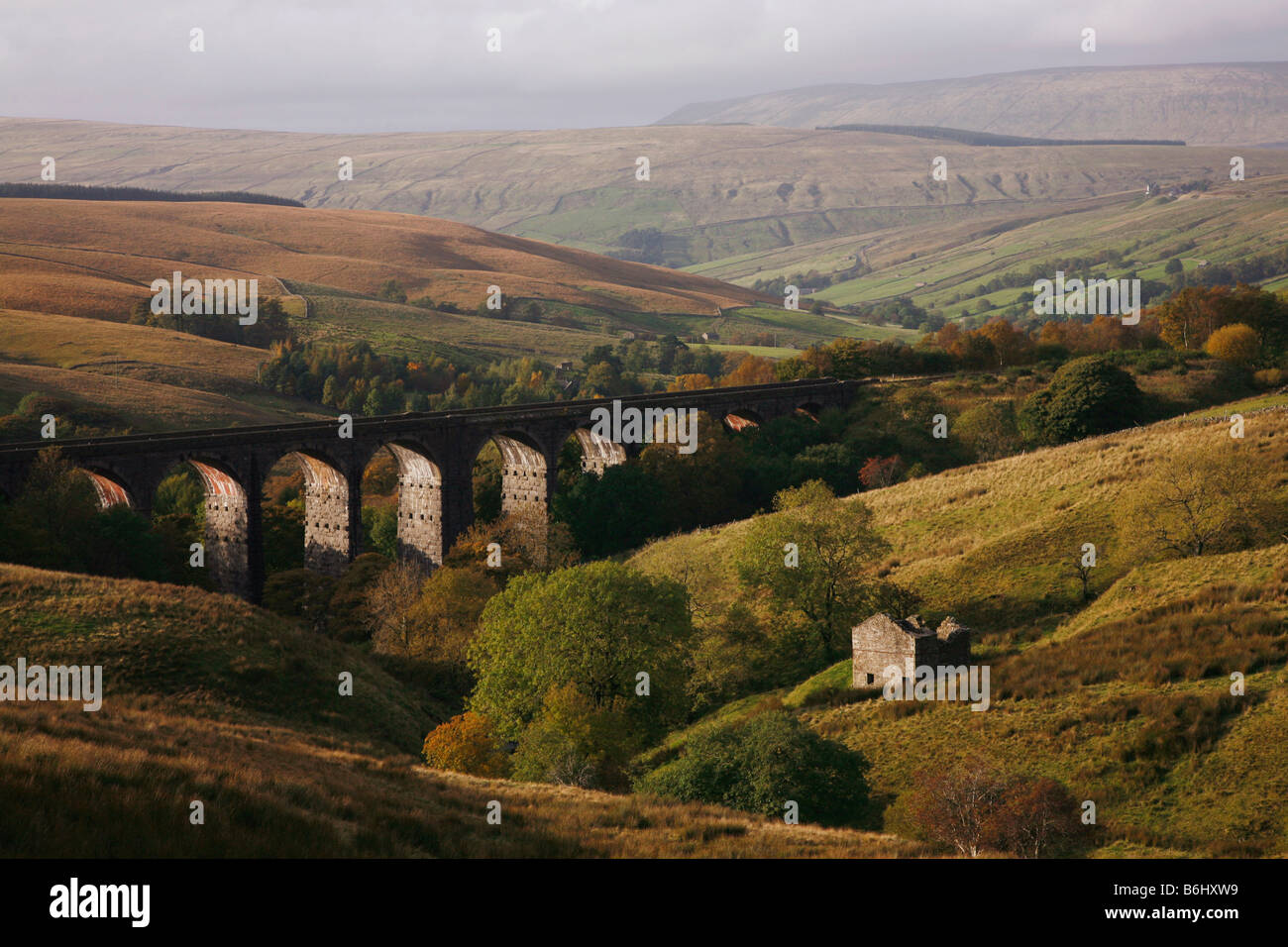 Roadside view of Dent Head Viaduct on the Settle and Carlisle Railway near the Cumbrian village of Cowgill - Stock Image