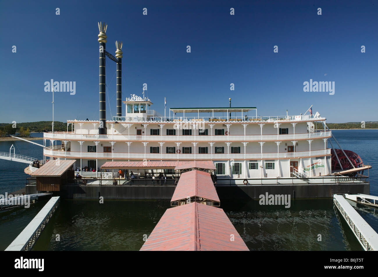 USA, Missouri, Branson, Branson Belle Showboat on Lake