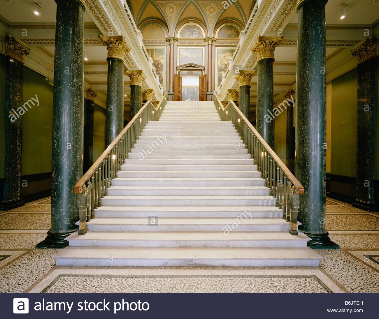 Hamburg, Kunsthalle Altbau, Treppenhaus von unten nach Oben Stock ...