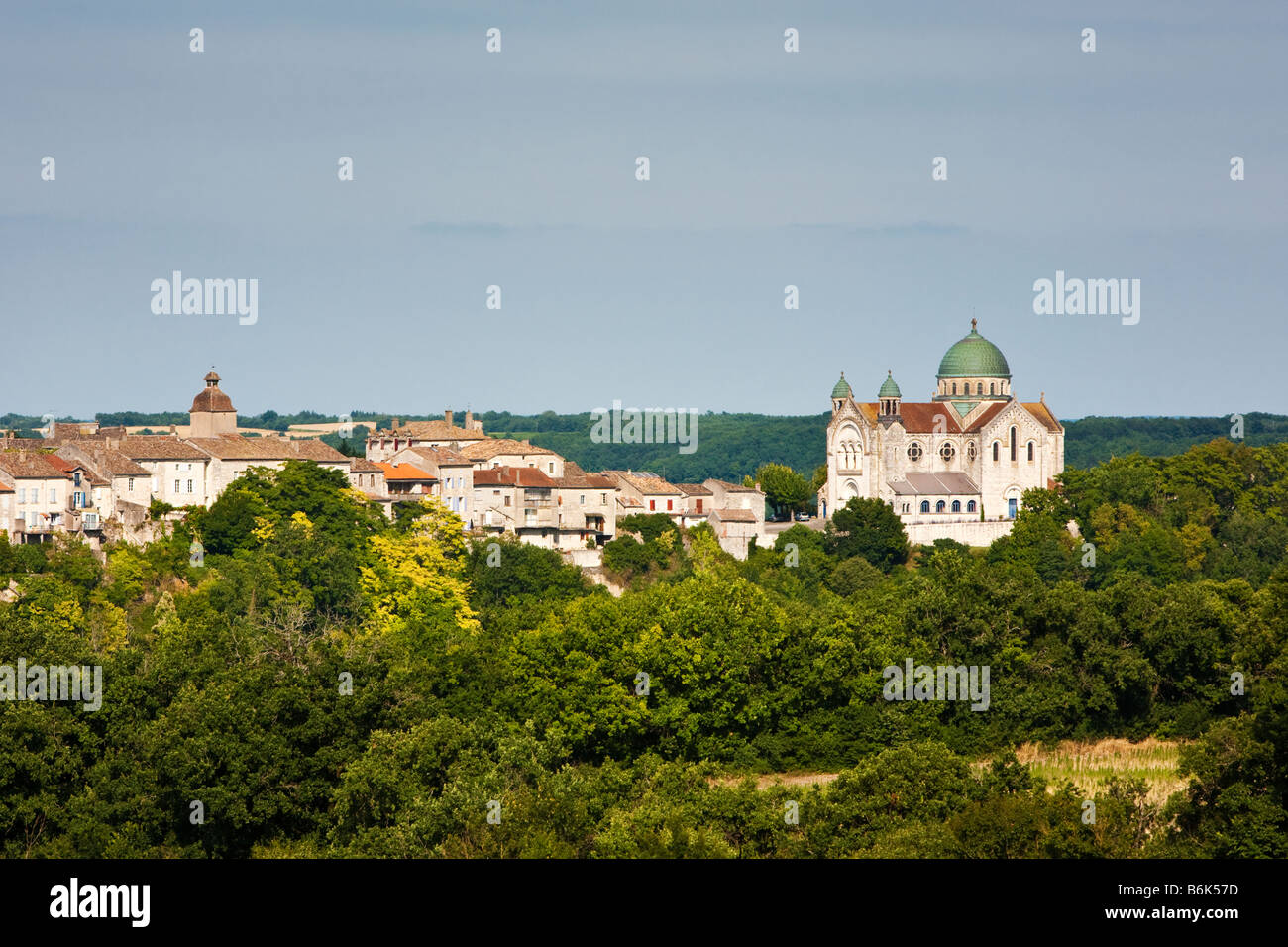 The L Église St Martin and Castelnau Montratier in the Lot Southwest France Europe Stock Photo