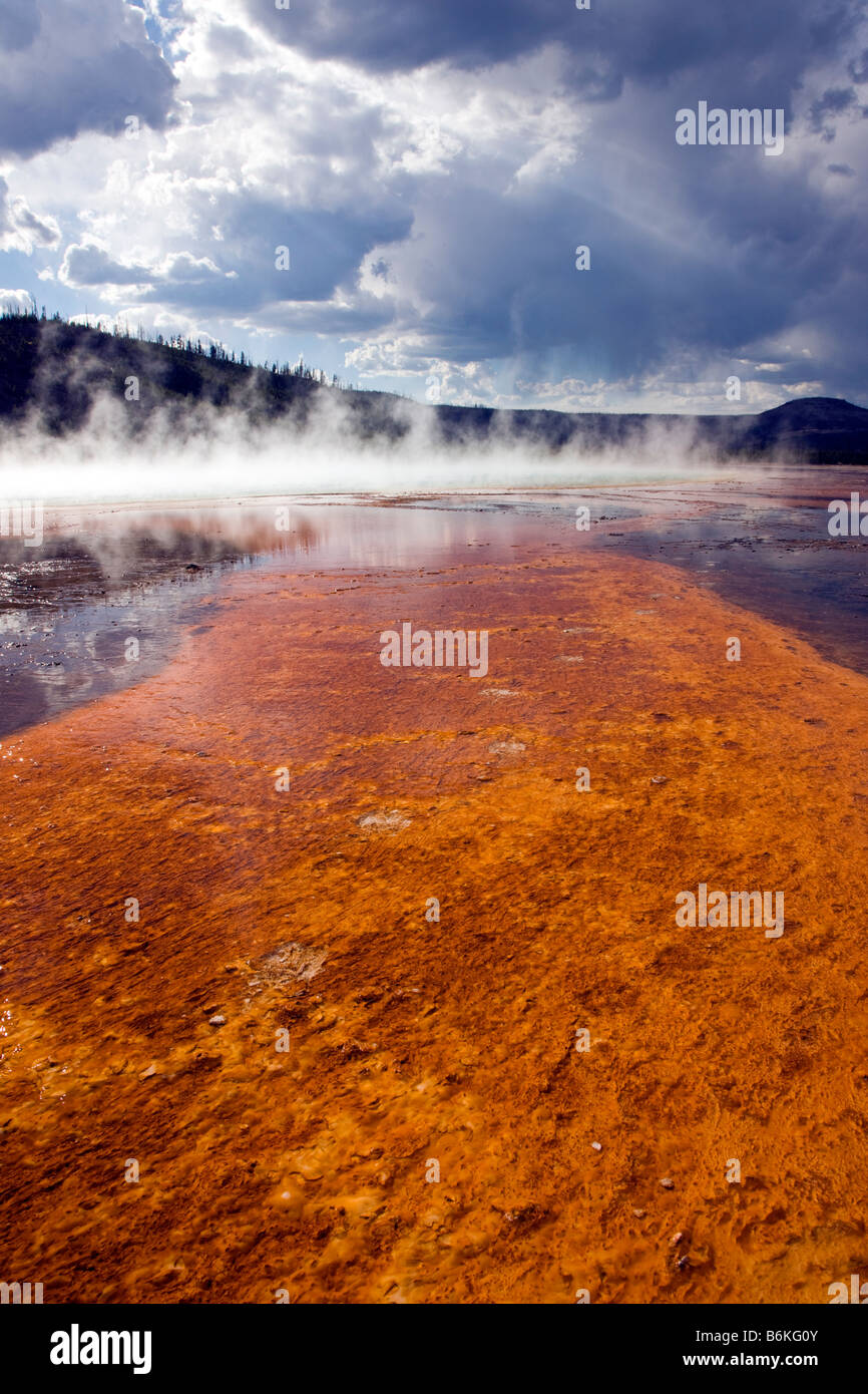 Grand Prismatic Spring, Midway Geyser Basin, Yellowstone National Park, Wyoming, USA - Stock Image