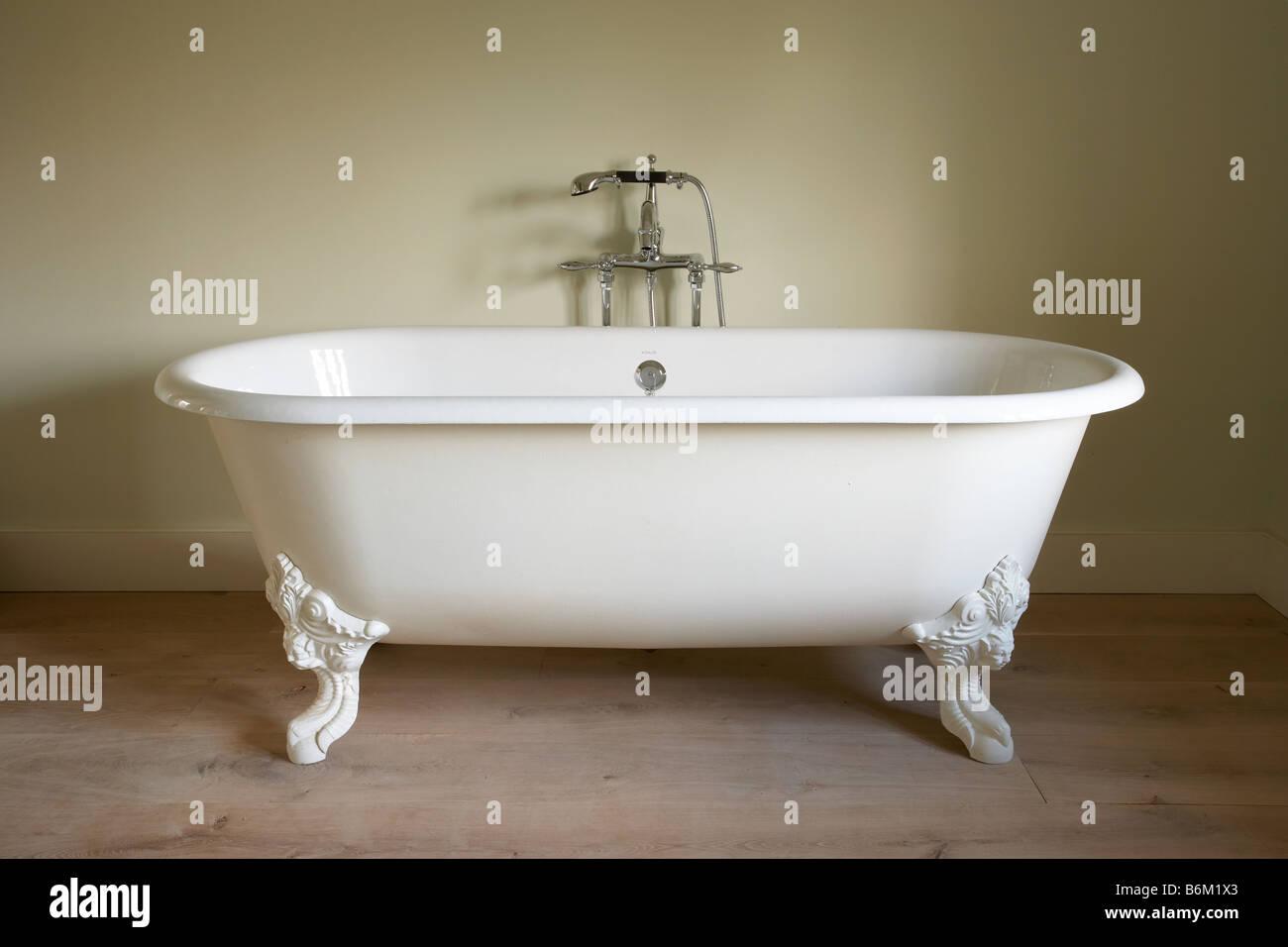 Free standing kohler victorian style bath bathtub chrome taps ornate ...