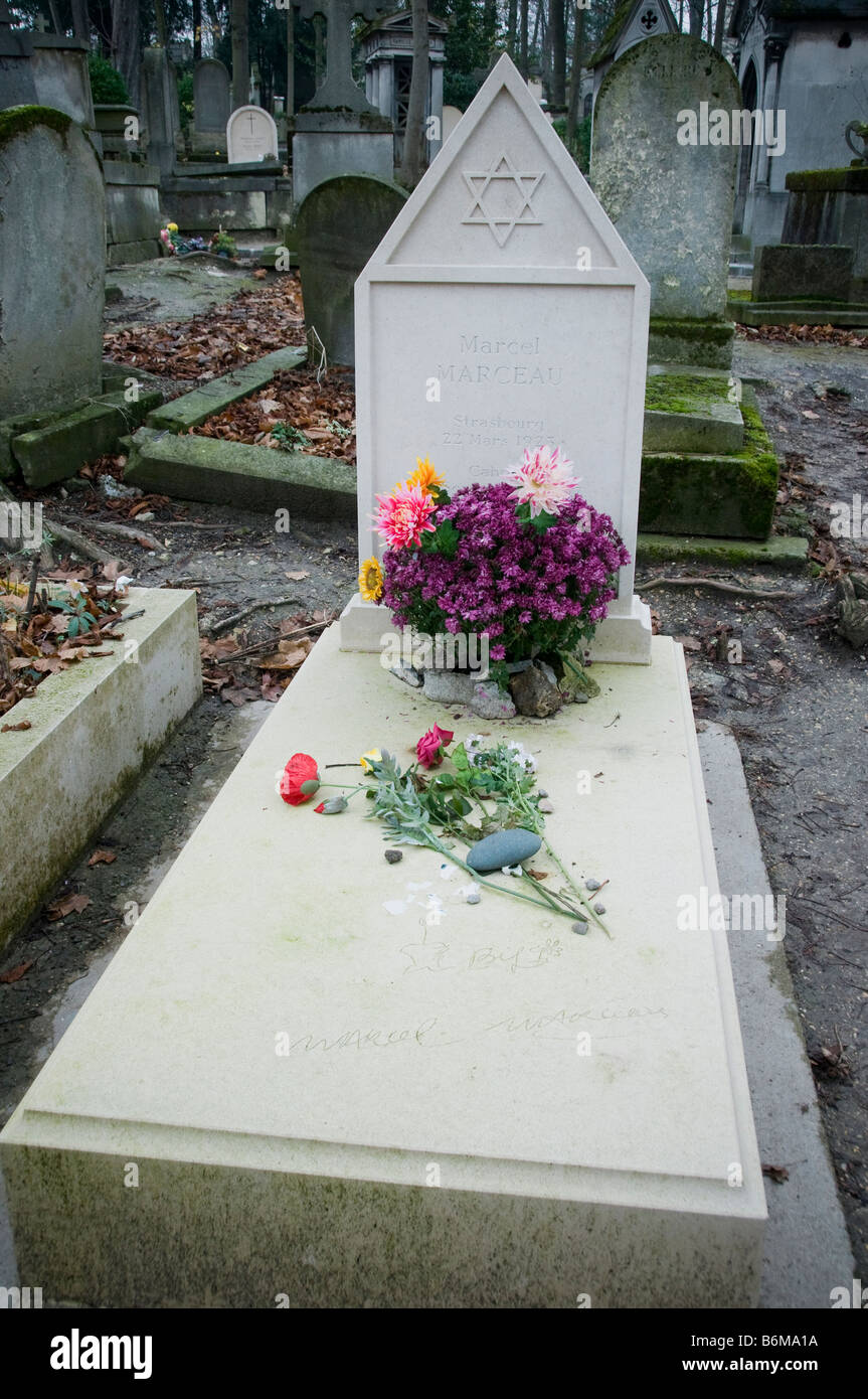 Marcel Marceaux creator of Bip the Clown at Pere Lachaise Cemetery in Paris - Stock Image