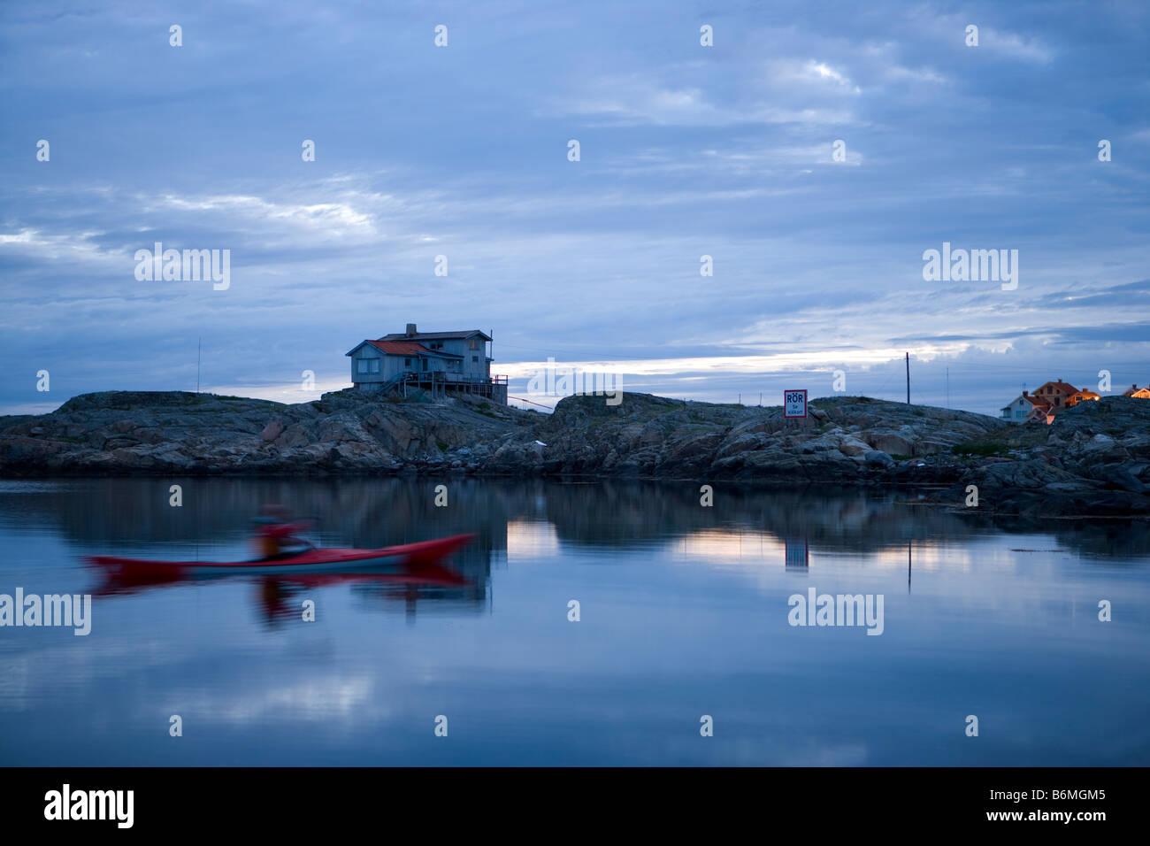 early morning kayaker - Stock Image
