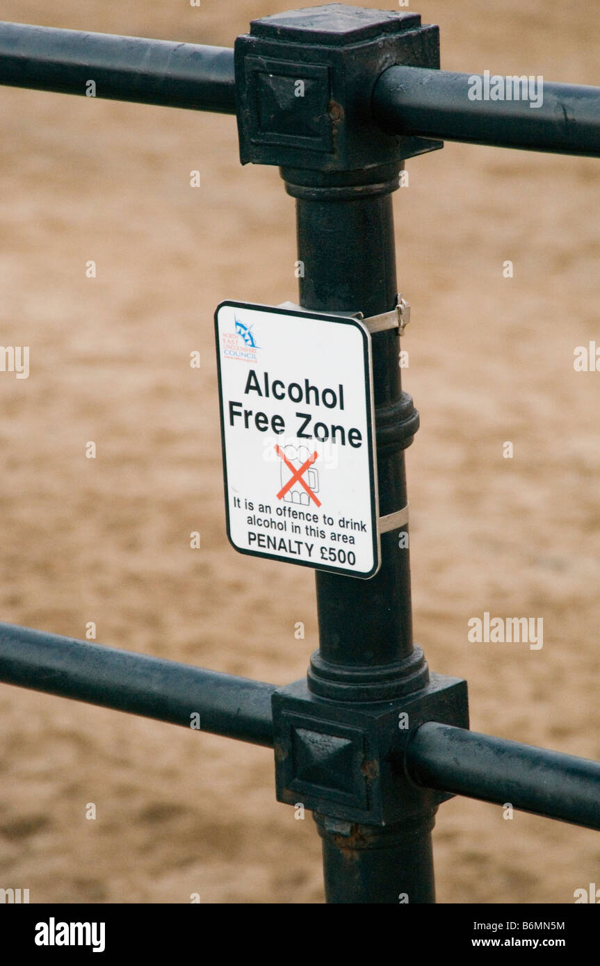alcohol alcoholic alcoholism drink drinking culture prohibition drinkers beer booze public in free zone outdoor - Stock Image