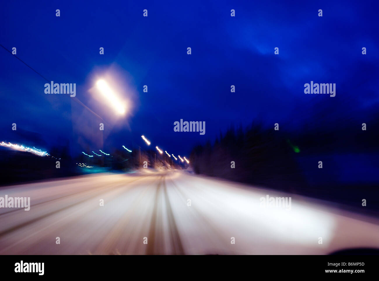 Wintery road, motion blurred - Stock Image