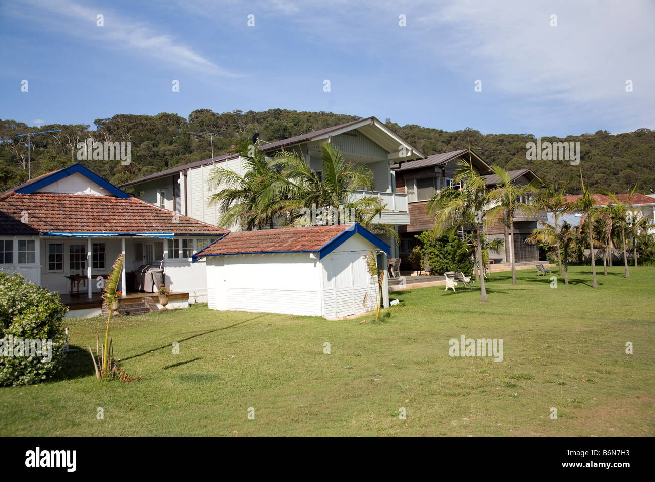 expensive detached family houses and traditional beach style properties in sydney's expensive property area - Stock Image