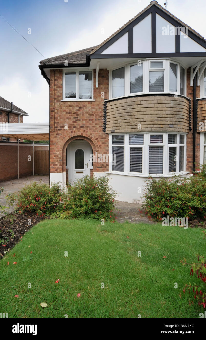 semi detached house exterior view - Stock Image