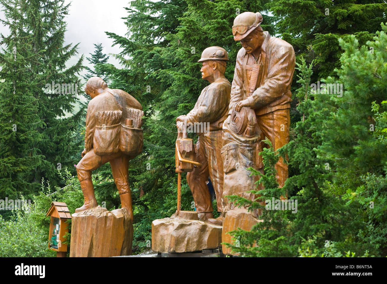 Log carvings grouse mountain bc canada stock photo: 21378262 alamy