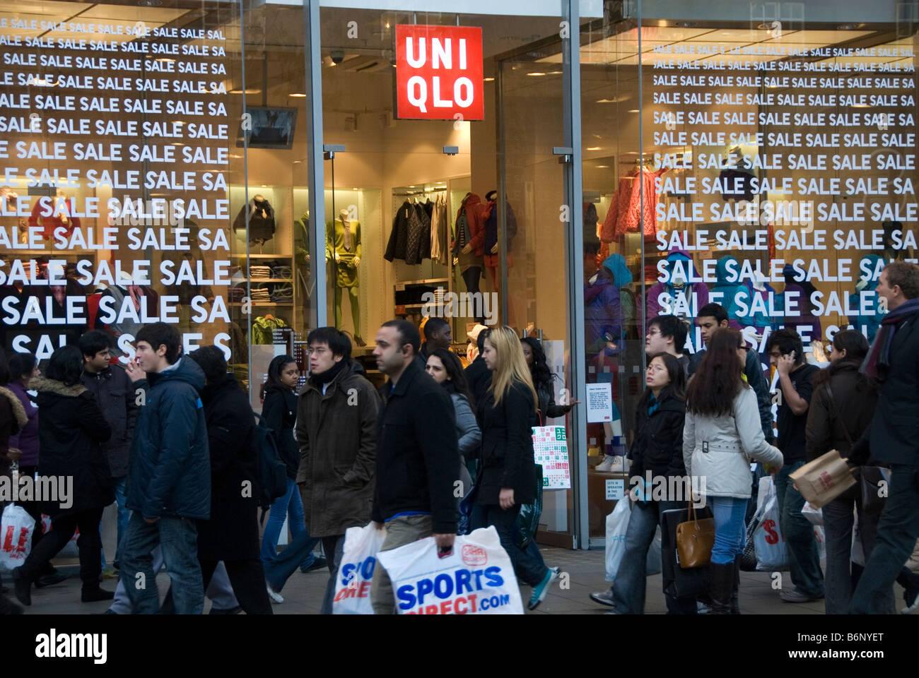 people outside uniqlo