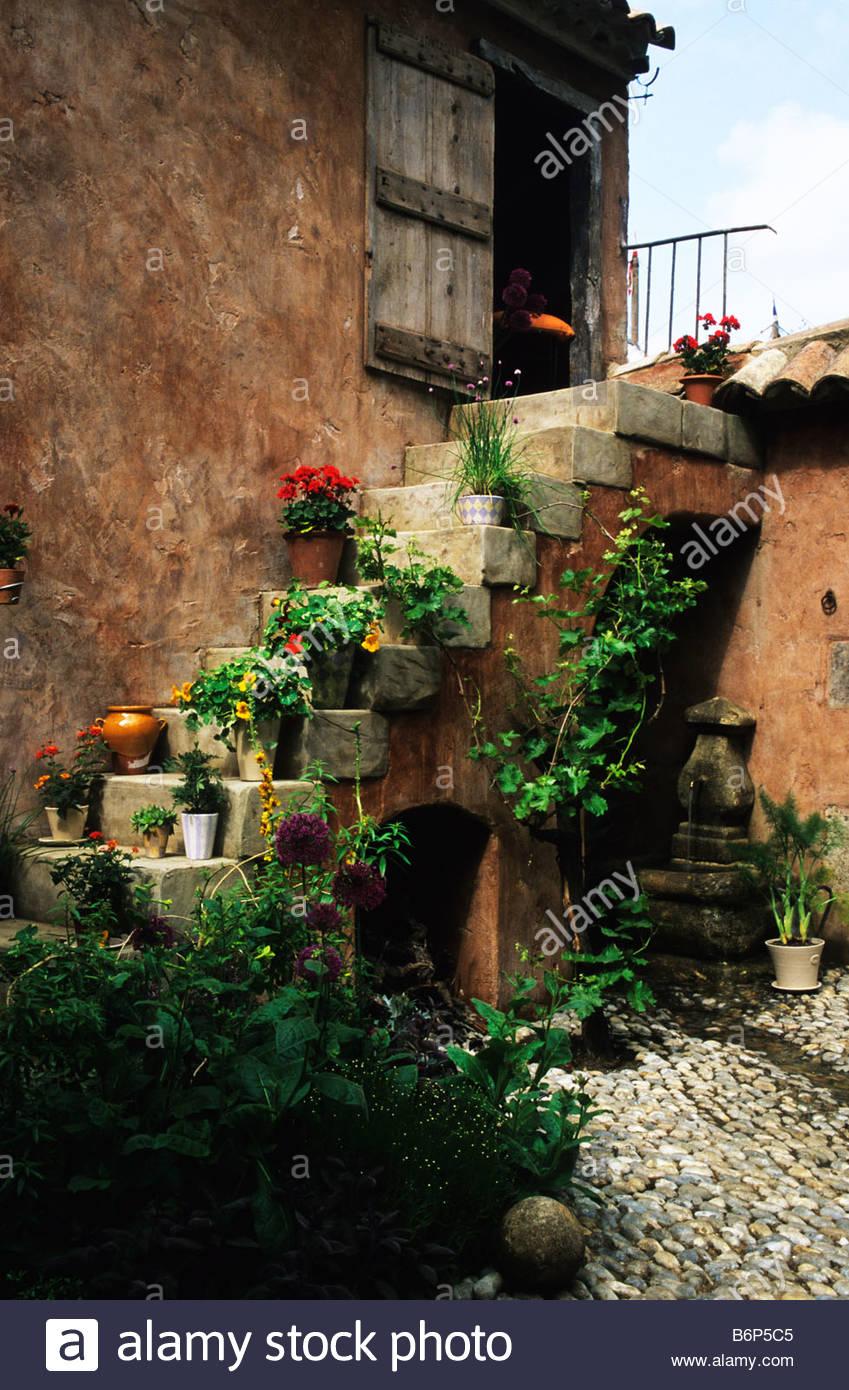 Chelsea FS 1997 Design Fiona Lawrenson Mediterranean garden with ...