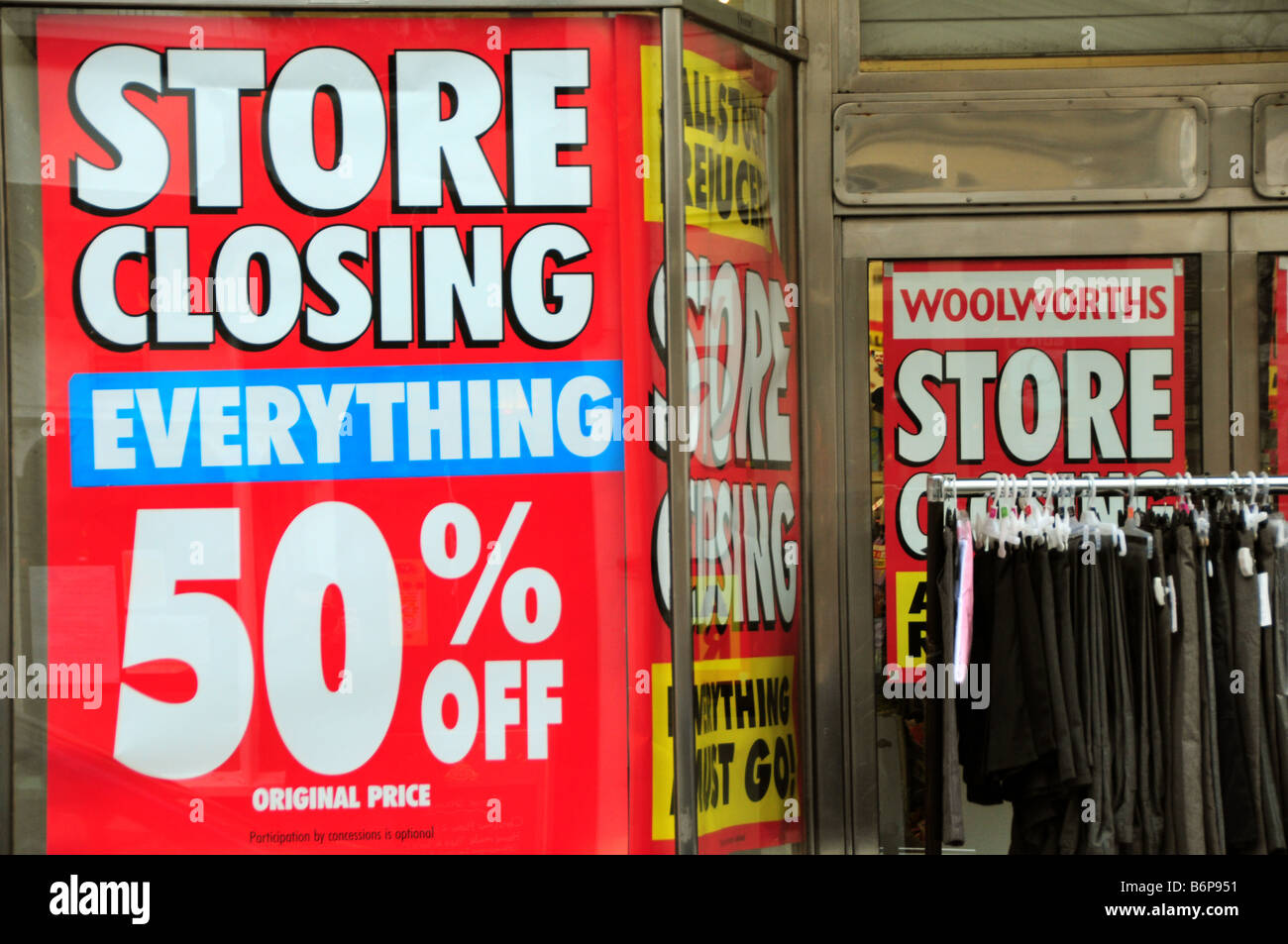 Woolworths store closing down, Conwy, North Wales - Stock Image
