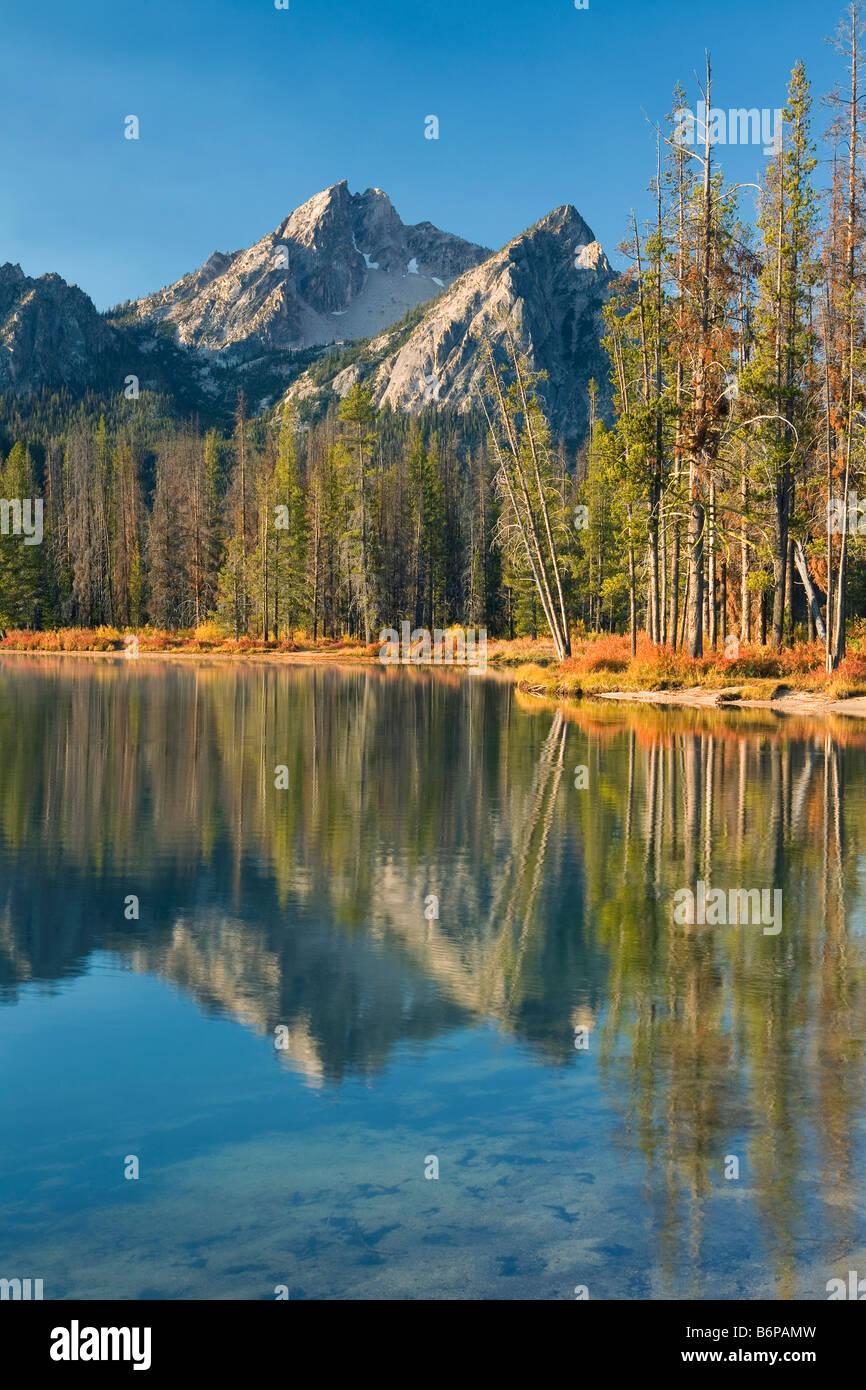Sawtooth Mountains near Stanley, Idaho, fall, McGown Peak, Stanley Lake - Stock Image
