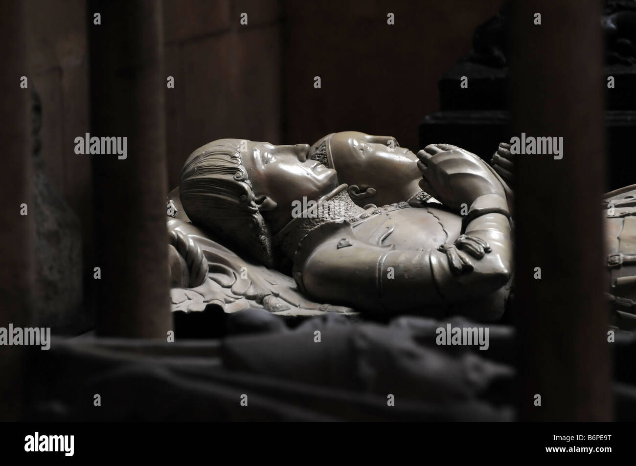 15th century Alabaster effigies of Sir Ralph Fitzherbert and his wife Elizabeth in Norbury Church, Derbyshire, England. - Stock Image