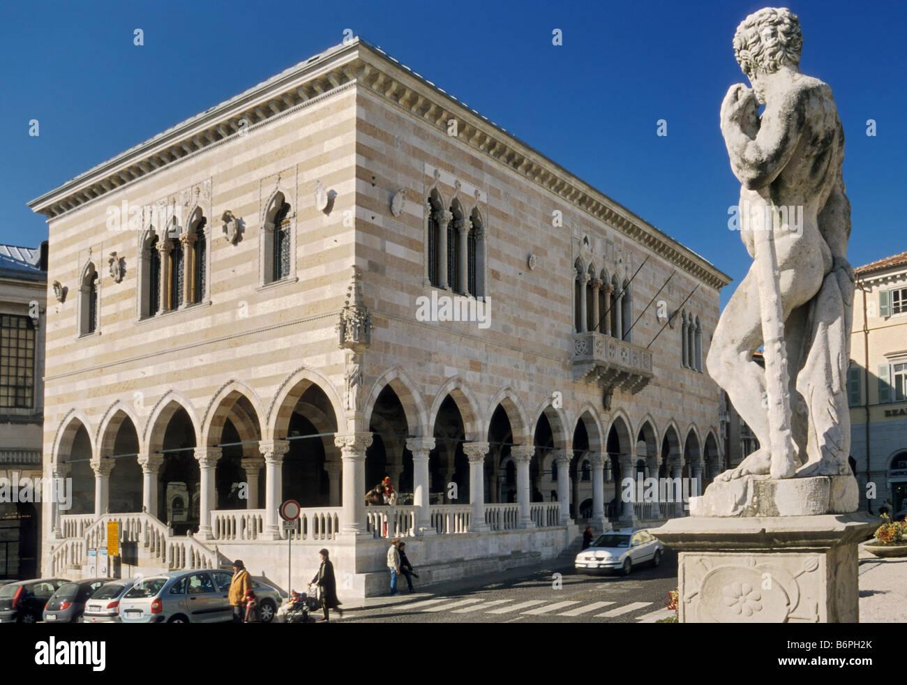 Palazzo del Comune also known as Palazzo del Municipio and as Loggia del Lionello at Piazza della Liberta in Udine - Stock Image