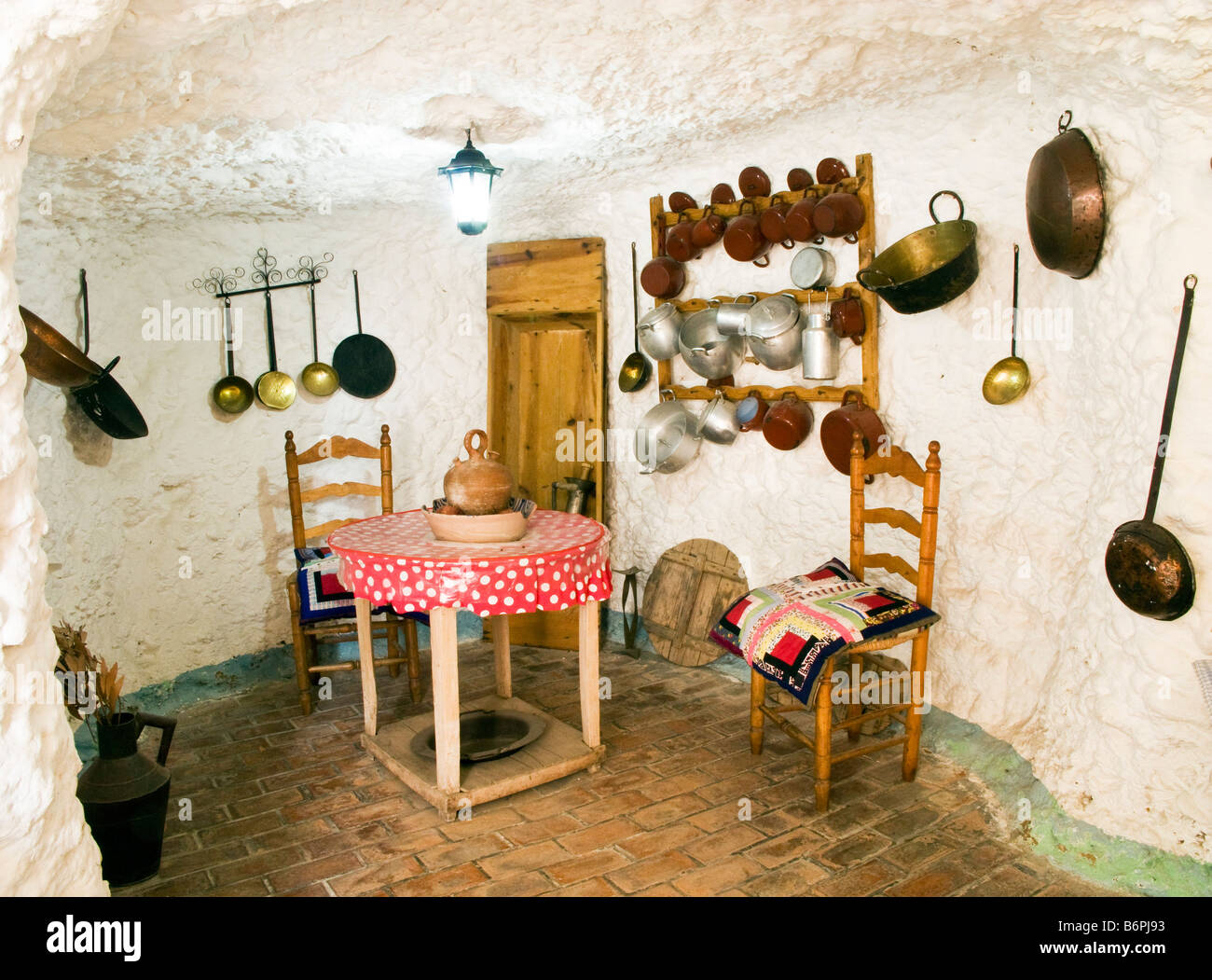 Inside a gypsy's cave house in the Sacromonte distrite of Granada Andalucia Spain - Stock Image