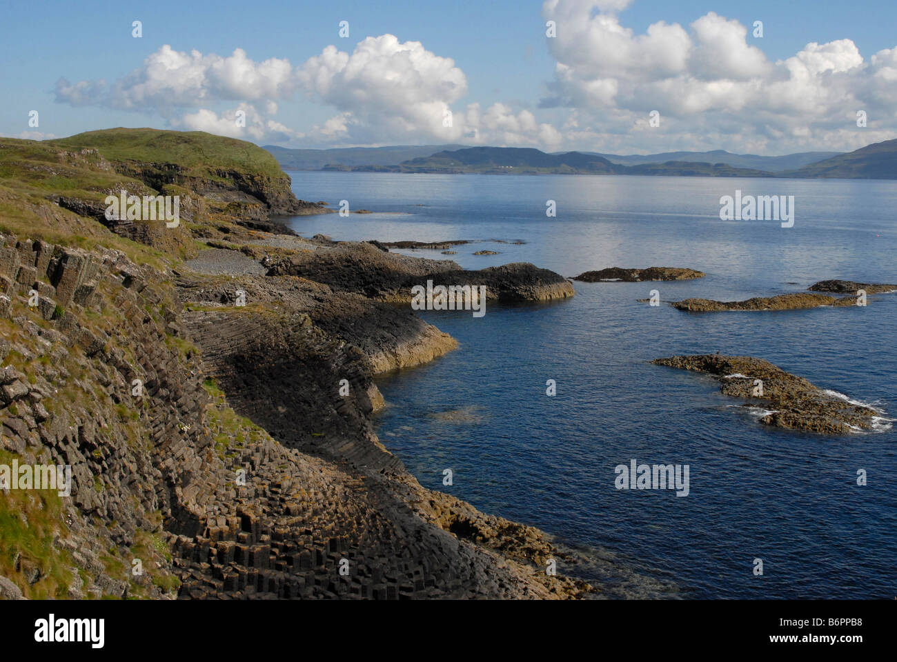 The Isle of Staffa off of the west coast of Scotland - Stock Image