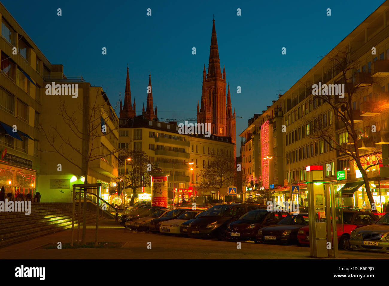 Marktkirche church in Wiesbaden's city center in the blue hour - Stock Image