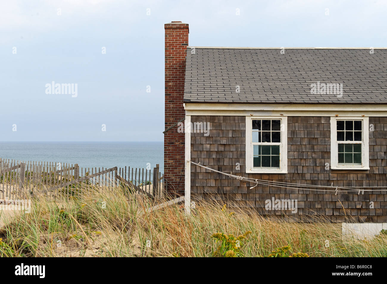 Small cape cod cottage overlooking the ocean wellfleet for Small cape