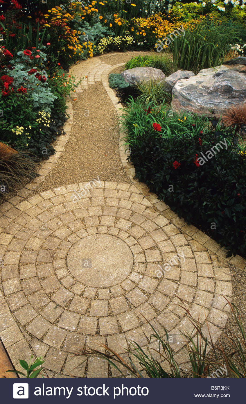 Feng Shui Garden Design Pamela Woods Circular Cobble Design With Winding  Path Between Colour Theme Borders