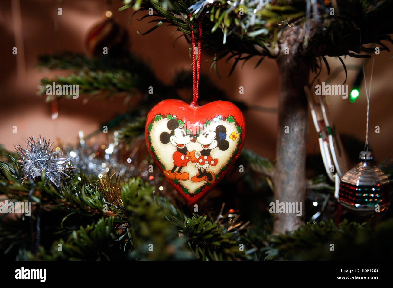 mickey and minnie mouse christmas tree decoration