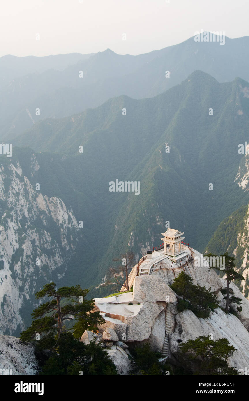 stone pagoda on the East Peak of the holy mountain Huashan, Xian, China - Stock Image