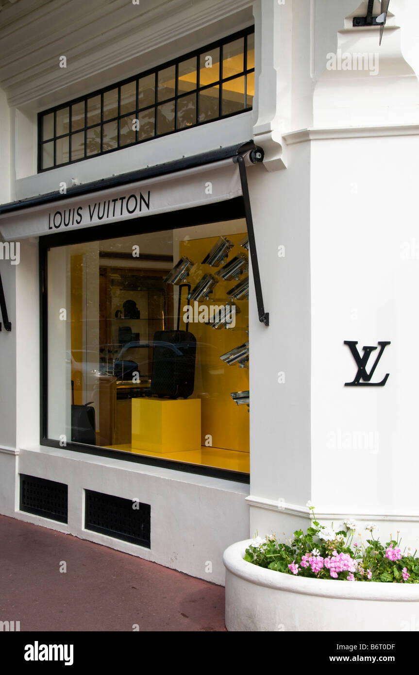 a447936a24b Lv Shop Stock Photos & Lv Shop Stock Images - Alamy