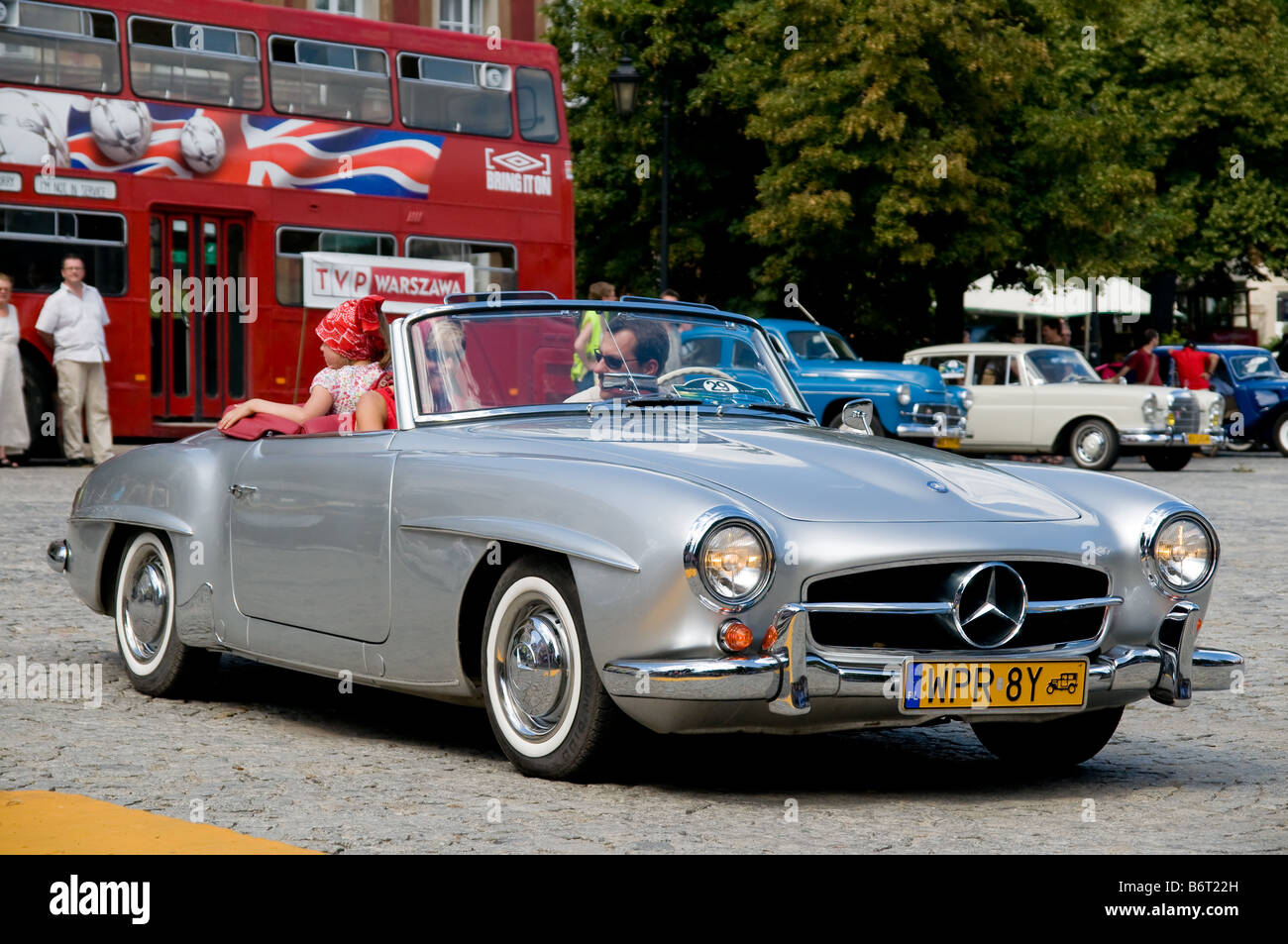 mercedes 190 sl stock photos mercedes 190 sl stock images alamy. Black Bedroom Furniture Sets. Home Design Ideas