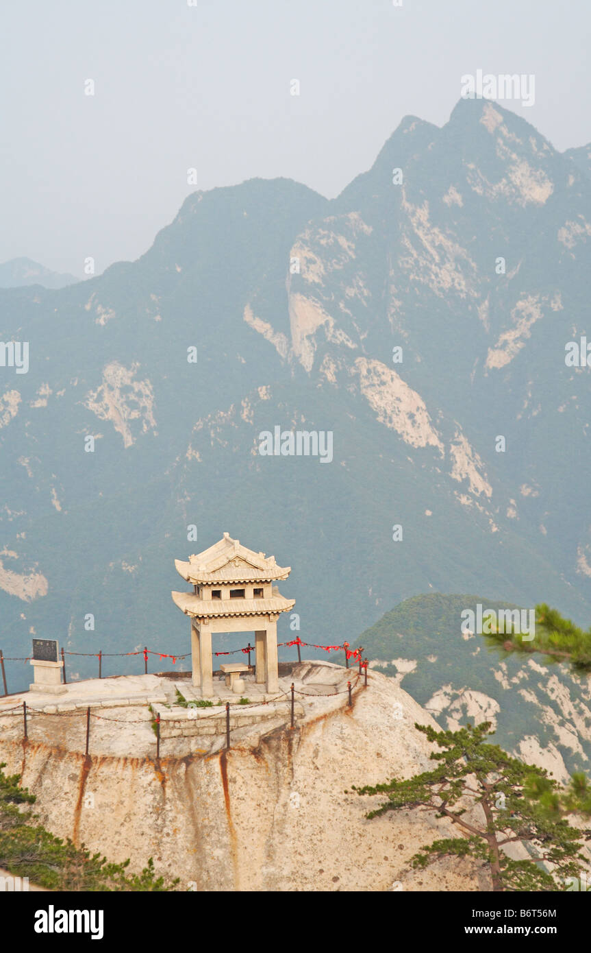 stone pagoda on the East Peak of the holy mountain Hua Shan Xi an China - Stock Image