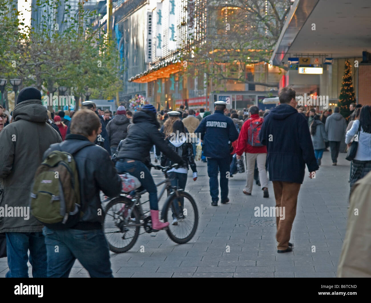 scramble in the pedestrian area in the shopping street Zeil in the city of Frankfurt am Main - Stock Image