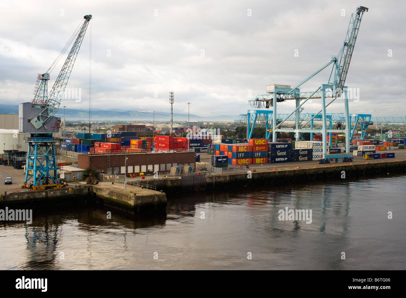 Container Ship Dublin Port Stock Photos Amp Container Ship