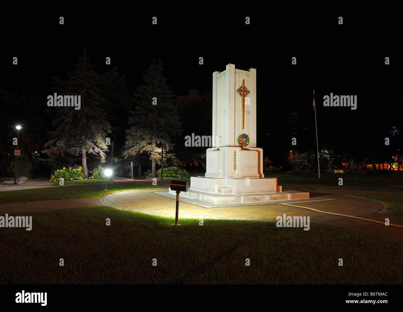 Th cenotaph at night - Stock Image