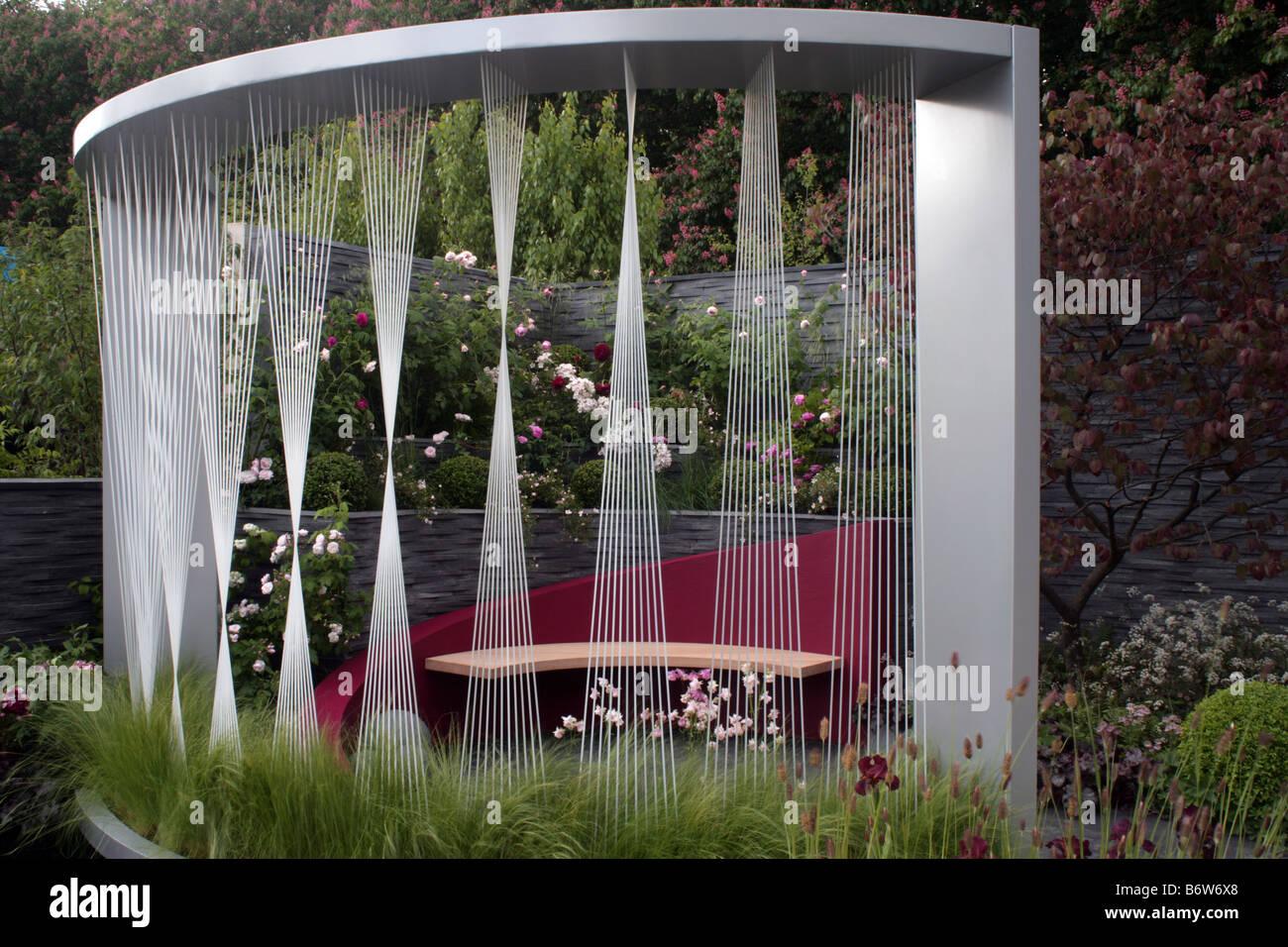 Show Garden by Rachel de Thame at RHS Chelsea Flower Show 2008 - Stock Image