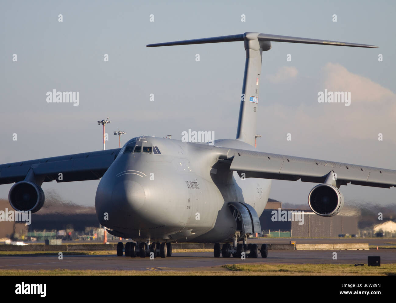 united states air force lockheed c 5 galaxy taxing at raf mildenhall