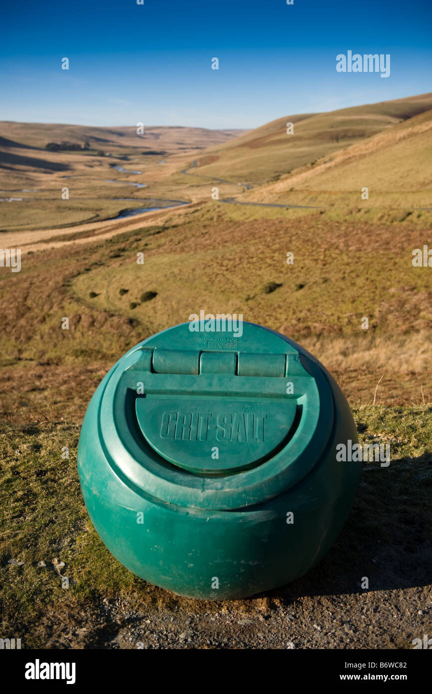Green roadside grit and salt container in the upper Elan Valley Powys mid wales - Stock Image