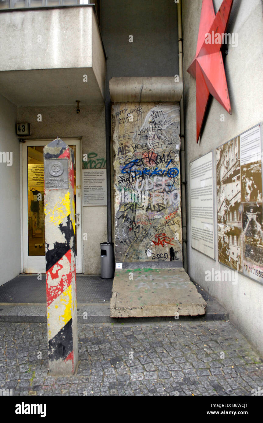 Haus Am Checkpoint Charlie Museum Friedrichstrasse Berlin Wall Stock Photo Alamy