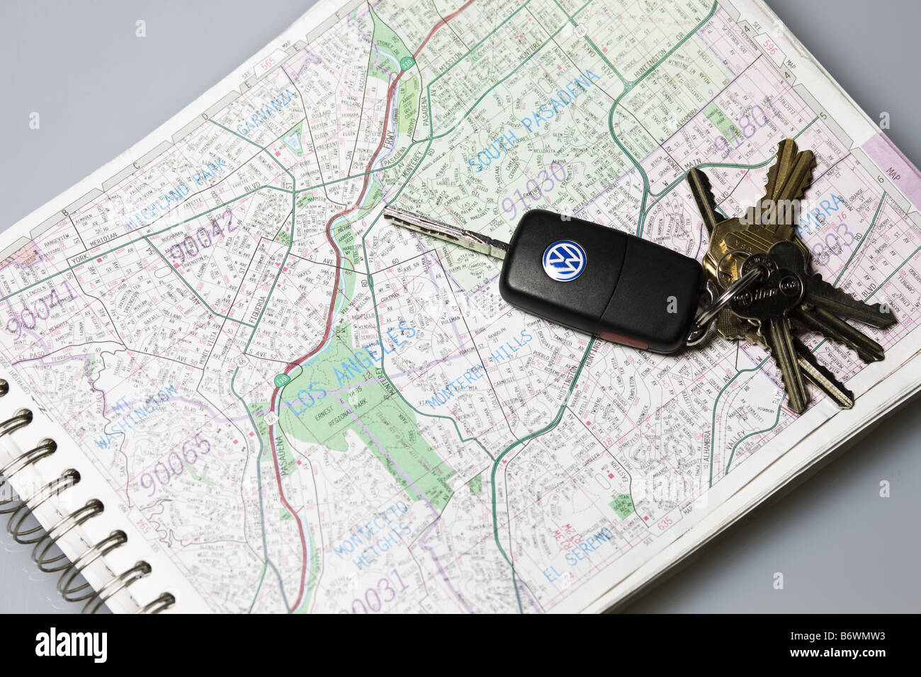 Keys on page of Thomas guide map of Los Angeles Stock Photo ... Thomas Guide Map on