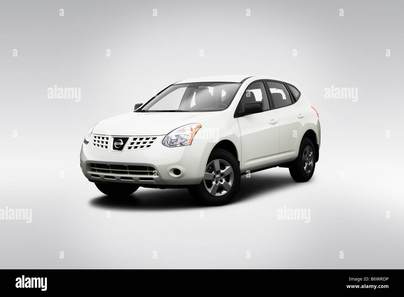 White Nissan High Resolution Stock Photography And Images Alamy