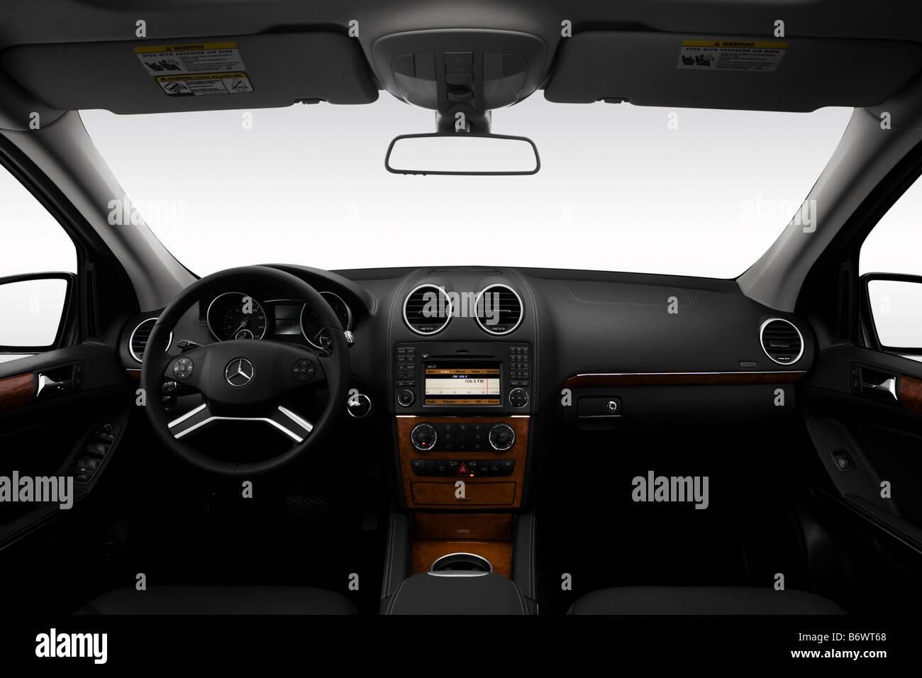 Mercedes Benz Capacity Stock Photos Amp Mercedes Benz